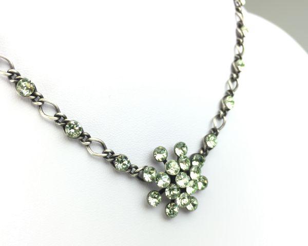 Konplott Magic Fireball Halskette steinbesetzt mit Anhänger in chrysolite, hellgrün #5450527612081