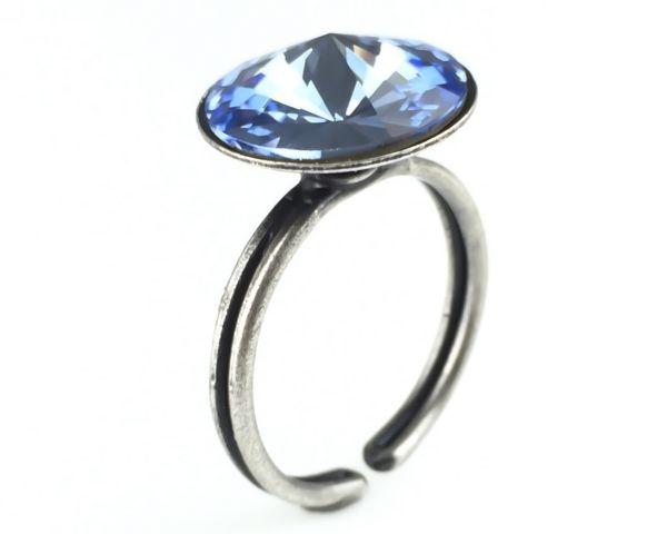 Rivoli light sapphire Ring