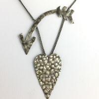 Konplott You Missed It Halskette mit Anhänger in Silber-Optik Herz, Pfeil #5450543635705