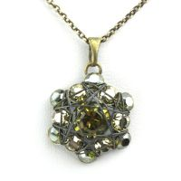 Konplott Bended Lights Halskette mit Anhänger in Olivgrün