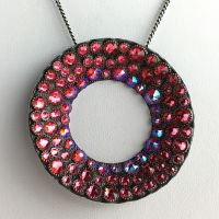 Konplott Inside Out pinke Halskette mit Anhänger groß