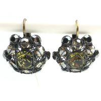 Konplott Bended Lights Ohrhänger mit Klappverschluss in Olivgrün